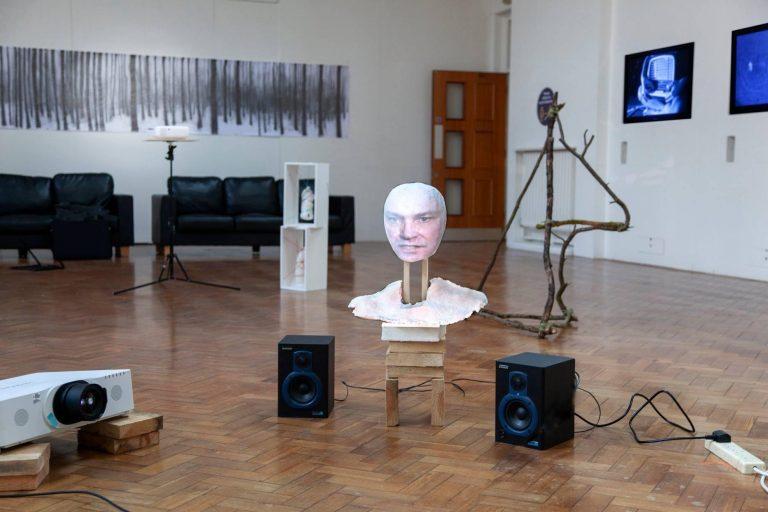 self portrait, video sculpture